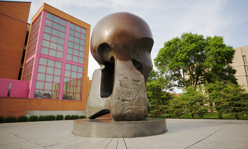 df66f-1967-henry-moore-university-of-chicago-a-800